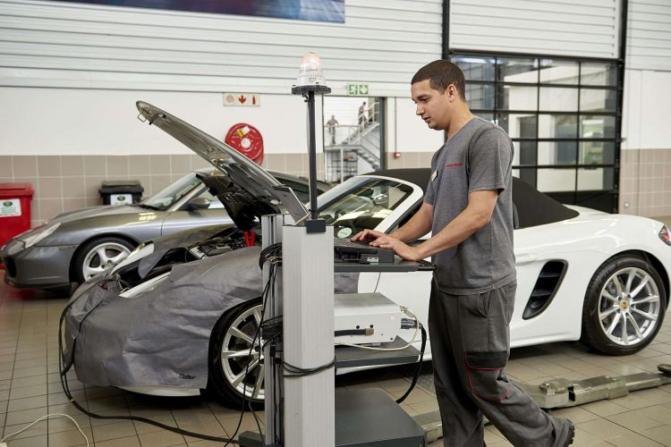 Porsche-trained Technicians